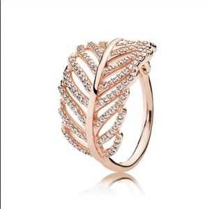 Pandora Rose Ring Light as a Feather in Si…